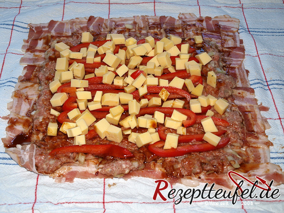 rezept f r eine bacon bomb mit k se und paprika gegrillt. Black Bedroom Furniture Sets. Home Design Ideas