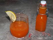 Aprikosenlimes in Flaschen abfüllen und genießen