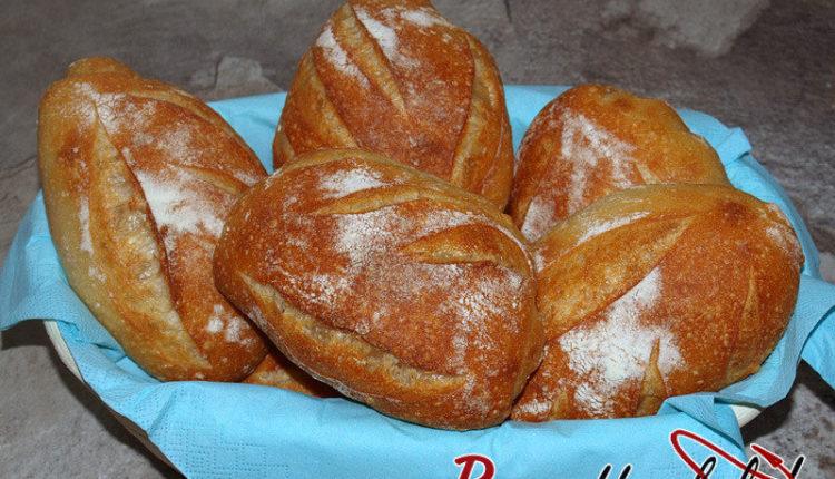Baguettebrötchen mit 4 Einschnitten