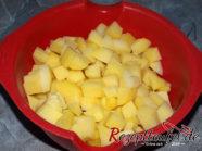 Die vorgekochten Kartoffelwürfel