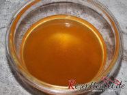 Rhabarber-Zimt-Gelee in einer kleinen Schale